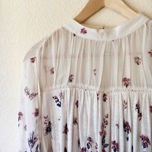 Lucky Brand Lace Neck Top Sz M
